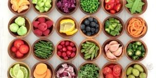 Cum se poate contrasta declinul cerebral? – 4 Alimente care ajuta creierul sa imbatraneasca frumos