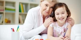 Bunicii care-si petrec timpul cu nepotii traiesc mai mult. O spune stiinta!