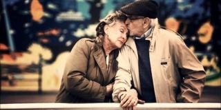 Camin de batrani la Soimi, locul unde zambetele au mereu cate o poveste cu... bunici si happy-end