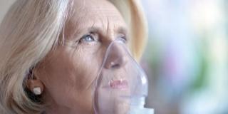 Cum se modifica imunitatea la varsta a treia si de ce bunicii sunt mai expusi la boli?