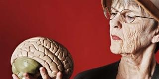 2 Dintre cele mai nocive alimente pentru creier, de evitat / de limitat la varsta a treia