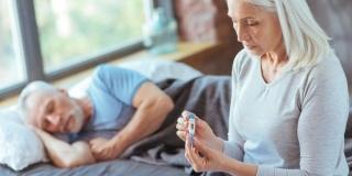 Camine de batrani – Riscuri si complicatii ale gripei la varsta a treia