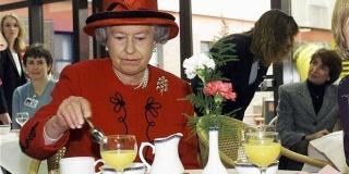 Ce mananca Regina Elisabeta? – Secretul longevitatii sta oare (si) in alimentatie?