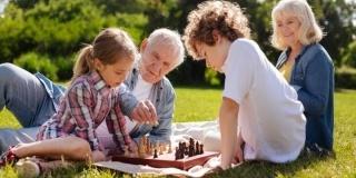 Cu nepotii in vacanta: Cum se poate transforma vacanta intr-o experienta fabuloasa?